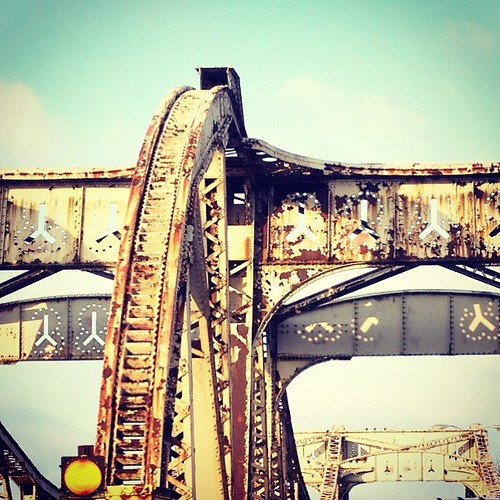 #rust #metal #structure #bridge #decay #chicagoarch #igerschicago