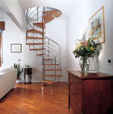 Las escaleras de caracol solucion ideal a falta de - Escaleras para segundo piso en poco espacio ...