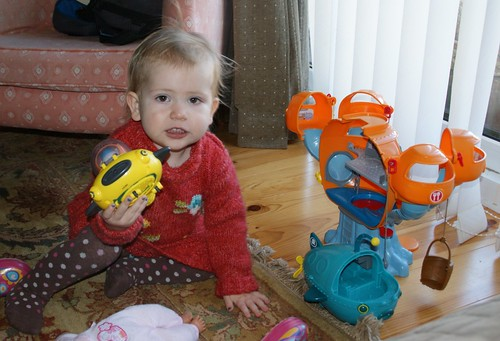 Playing Octonauts by PhylB