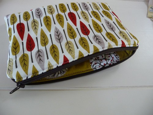 My first zippered pouch