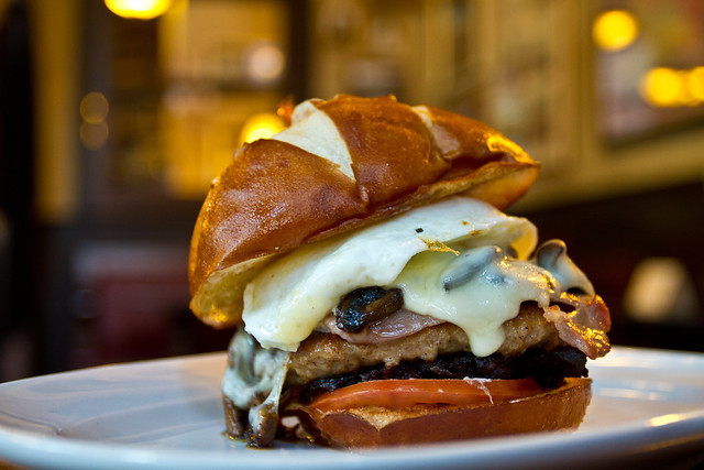 Irish Breakfast Fry Up Hamburger @ de Vere's Irish Pub | Flickr ...