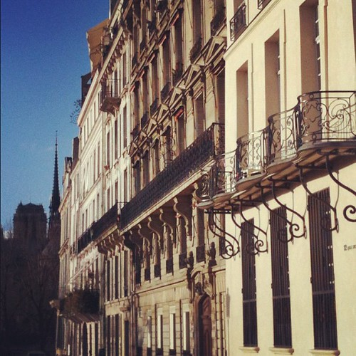 Paris with sun by la casa a pois