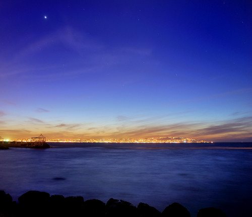 ALGIERS BAY NIGHT by omar lomaxe
