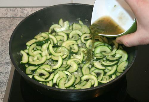 25 - Limettensaftmischung aufgießen / Add lime juice mix