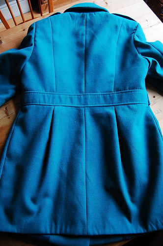 Back seam detail...guidelines on where to place the baby *pocket*