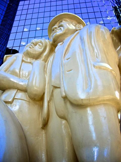 Monuments_montréalais, Foule_illuminée 9