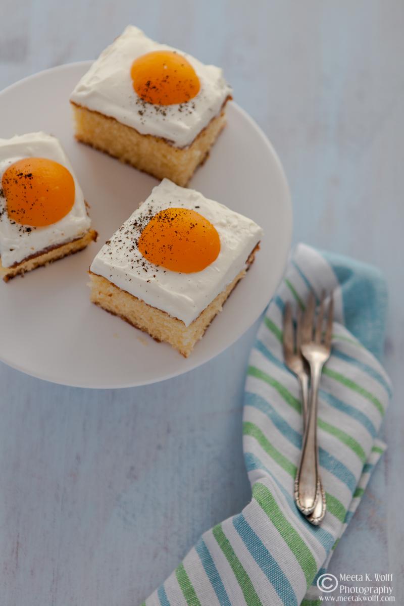 SunnySide Up Cake (0155)