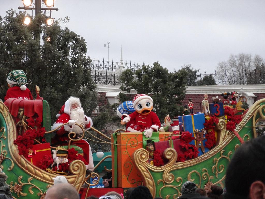 Un séjour pour la Noël à Disneyland et au Royaume d'Arendelle.... - Page 6 13880309664_b557cc78fc_b