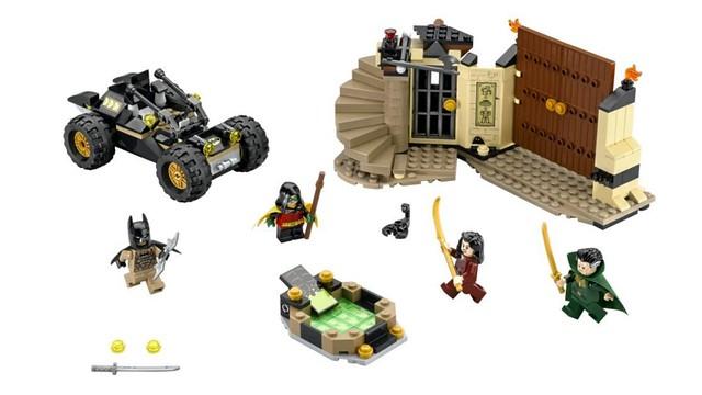 LEGO DC Comics Super Heroes 76056 Batman Rescue from Ra's al Ghul