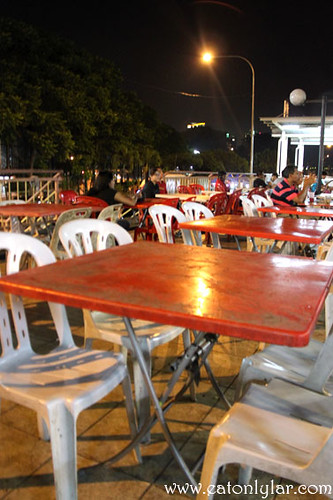 Outdoor seating, Nasi Lemak Famous