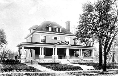 Earnest B. Jacobs House in Carthage Missouri
