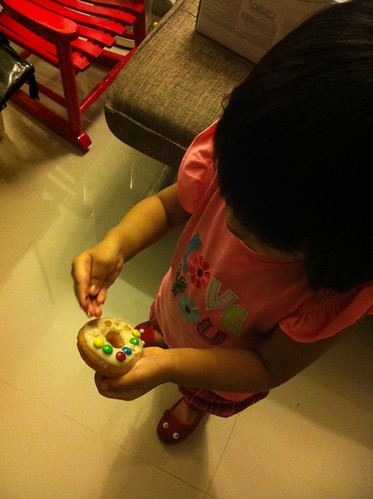 euna picking out the m&ms