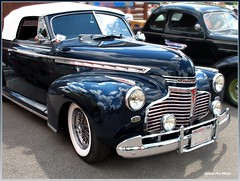 1941 ford(0.0), mid-size car(0.0), plymouth deluxe(0.0), automobile(1.0), automotive exterior(1.0), vehicle(1.0), custom car(1.0), automotive design(1.0), chevrolet advance design(1.0), compact car(1.0), hot rod(1.0), antique car(1.0), sedan(1.0), vintage car(1.0), land vehicle(1.0), luxury vehicle(1.0), motor vehicle(1.0),