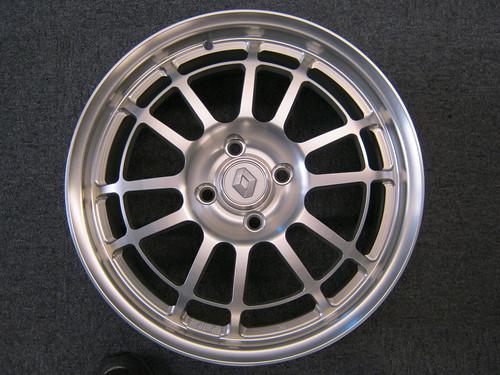 Clio Ⅱ & Twingo Ⅱ RS 専用鍛造ホイール