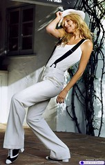 Kate Hudson celeb-suspenders-drollgirl