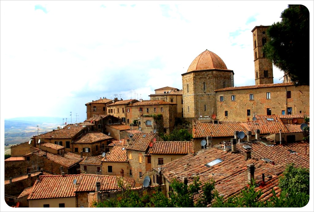 roofs of volterra