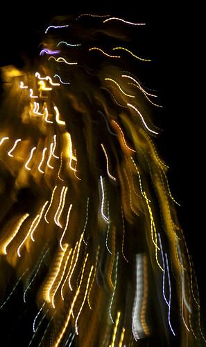 NAVIDAD EN CISTIERNA - ENCENDIDO DE LA ESTRELLA EN SAN GUILLERMO - 23.12.11 by juanluisgx