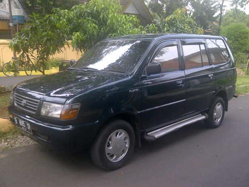 Toyota Kijang LGX 1