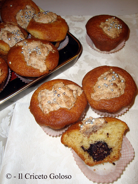 Muffins ripieni di baci 2