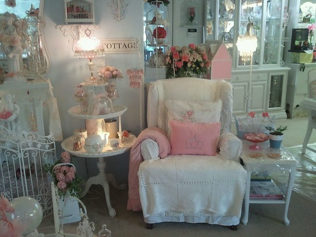 Vickielynn 39 s shabby cottage style flickr photo sharing for Arredamento romantico