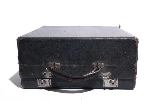 Oliver portable typewriter - case