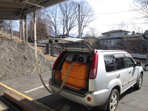 温泉スタンドから給油 2012年1月18日 by Poran111