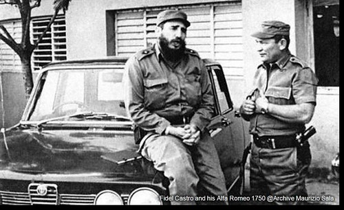FOTO 2 -Castro and his Alfa Romeo