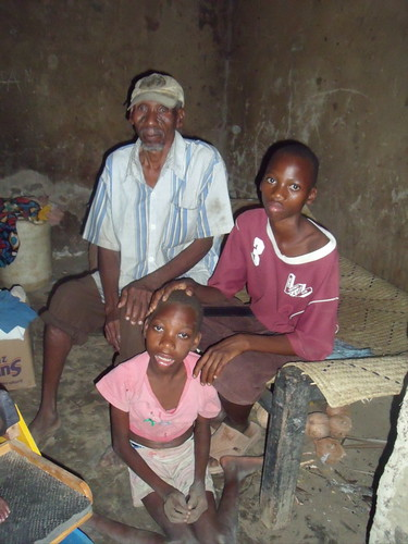 Ngumbao Charo with his father & brother Pili