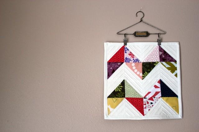 hst mini quilt.