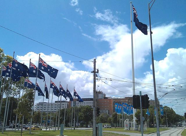 Elizabeth Street roundabout, Australian flags