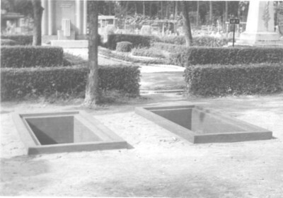 va003511 - Graves of Ngo Dinh Diem and Ngo Dinh Nhu