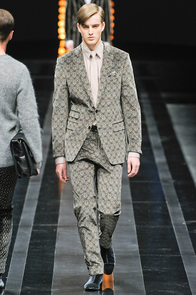 James Smith3560_FW12 Milan Canali(VOGUE)