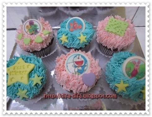 cupcake set dora nemo by DiFa Cakes