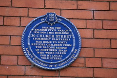 Photo of 30 Church Street and Basque refugee children blue plaque