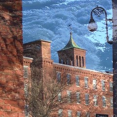 Manchester 2: Amoskeag Mills / Merrimack river #manchesternh #newhampshire