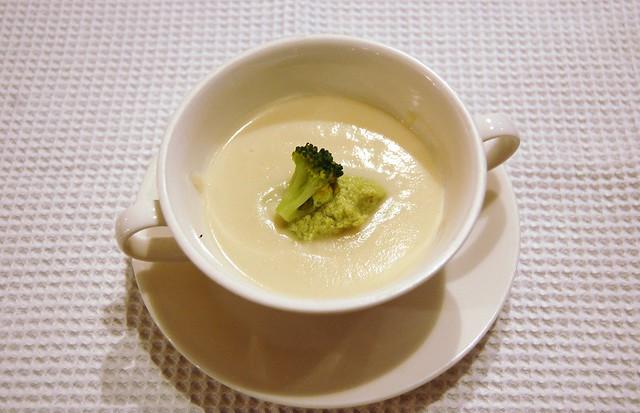 soupe(カリフラワーのスープ)
