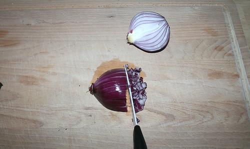 15 - Zwiebel würfeln