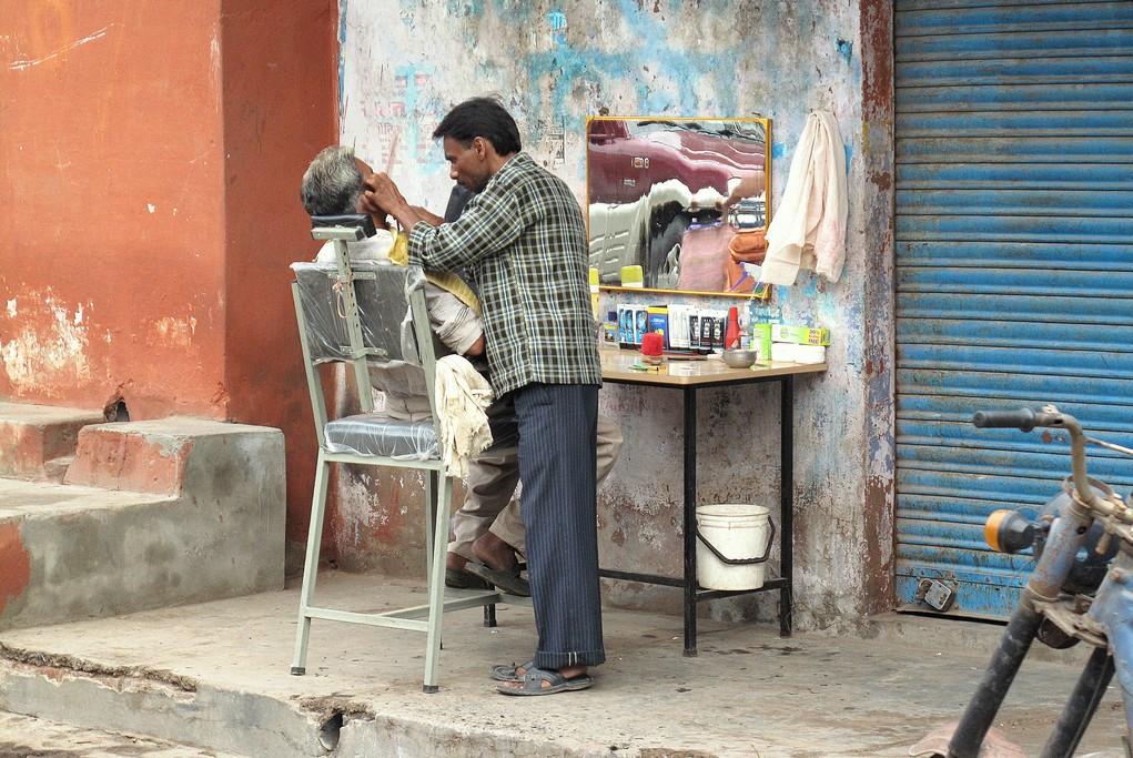 Street Shave in Jaipur, India