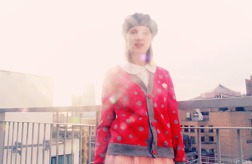 Queens Of Sounds Dots Red Cardigan & Jewerly - Emilie