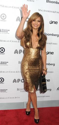 Jennifer-Lopez-489x1024
