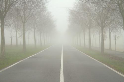 La nebbia che tutto inghiotte.. by Claudio61 una foto ferma un ricordo nel tempo