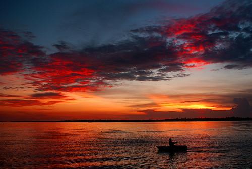 ocean sunset red orange sun seascape nature water colors landscape boats florida floridakeys seacamp bigpinekey daarklands