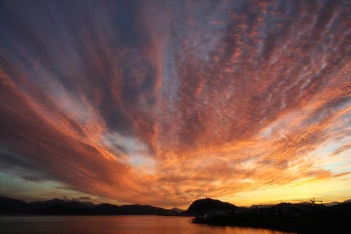 sky mountains sunrise hope optimism ålesund aalesund larigan valderøyfjord phamilton licensedwithgettyimages ginordicdec