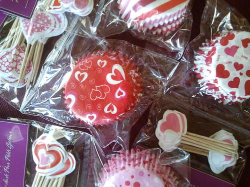 Muffin Tin Monday Valentine's cupcake liners
