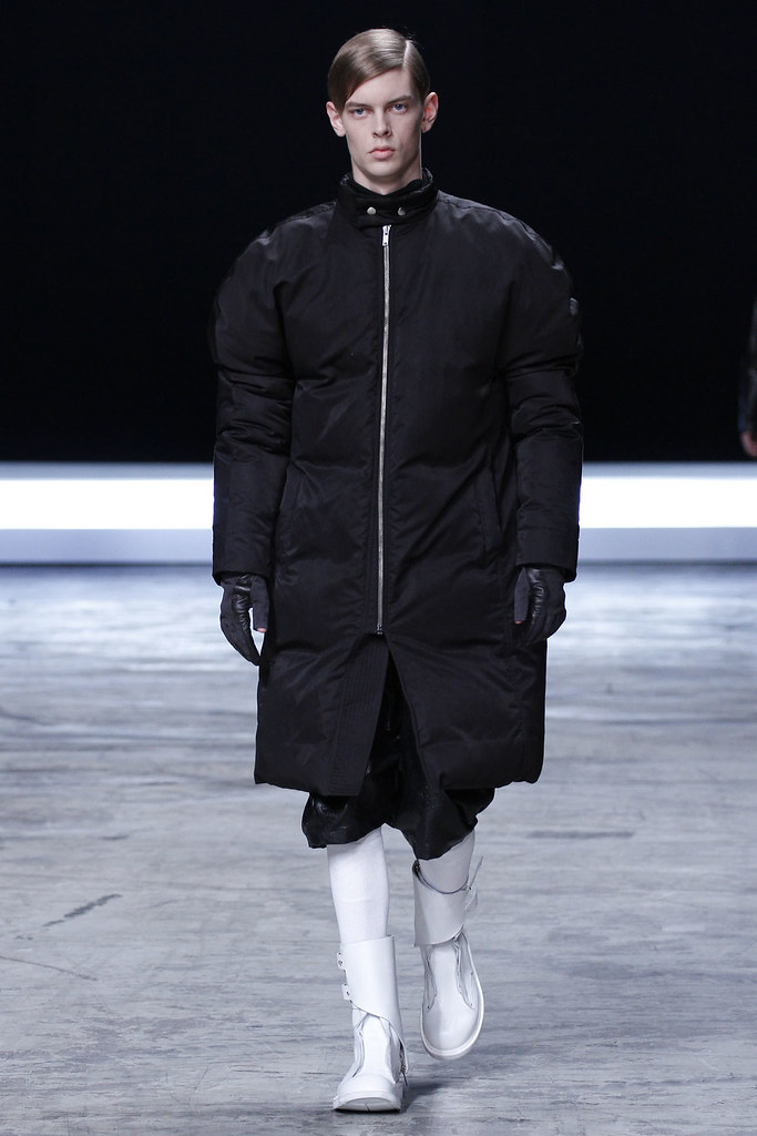 FW12 Paris Rick Owens034_Dan Kling(VOGUE)