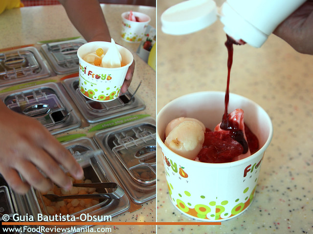 Frutti Froyo choose toppings