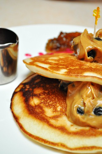 blueberry peanut butter pancakes