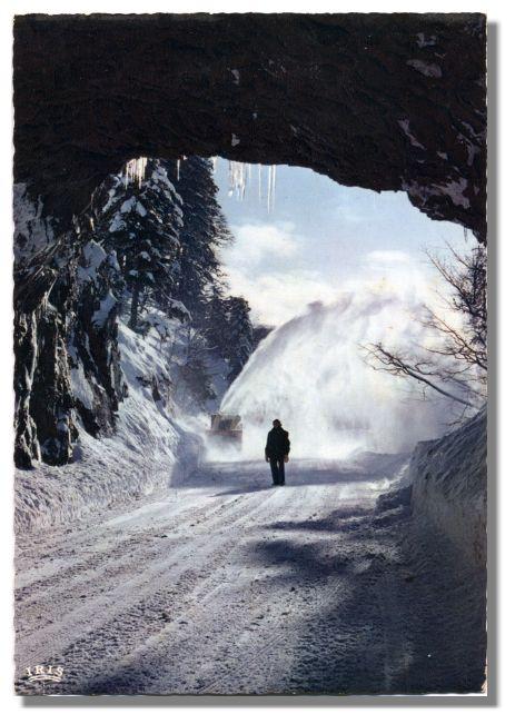 LES VOSGES SOUS LA NEIGE Chasse-neige à la SCHLUCHT -70-150