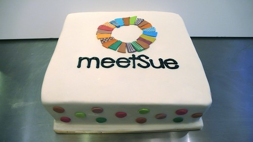 MeetSue Logo Cake by CAKE Amsterdam - Cakes by ZOBOT