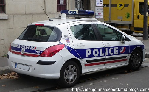 Peugeot Police 04
